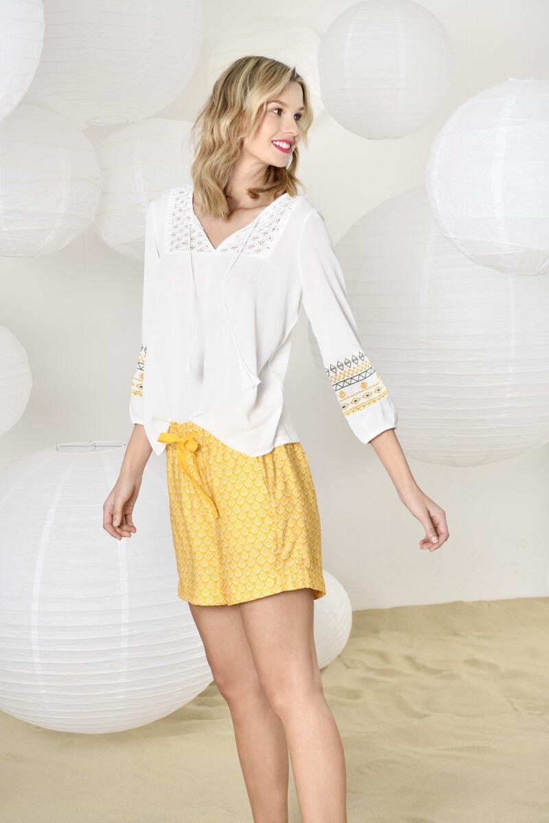 StreetOne_0519_Outfit02_Motiv04_334_Styler